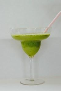 green smoothie, healthy treats, hey little rebel, heylittlerebel.com