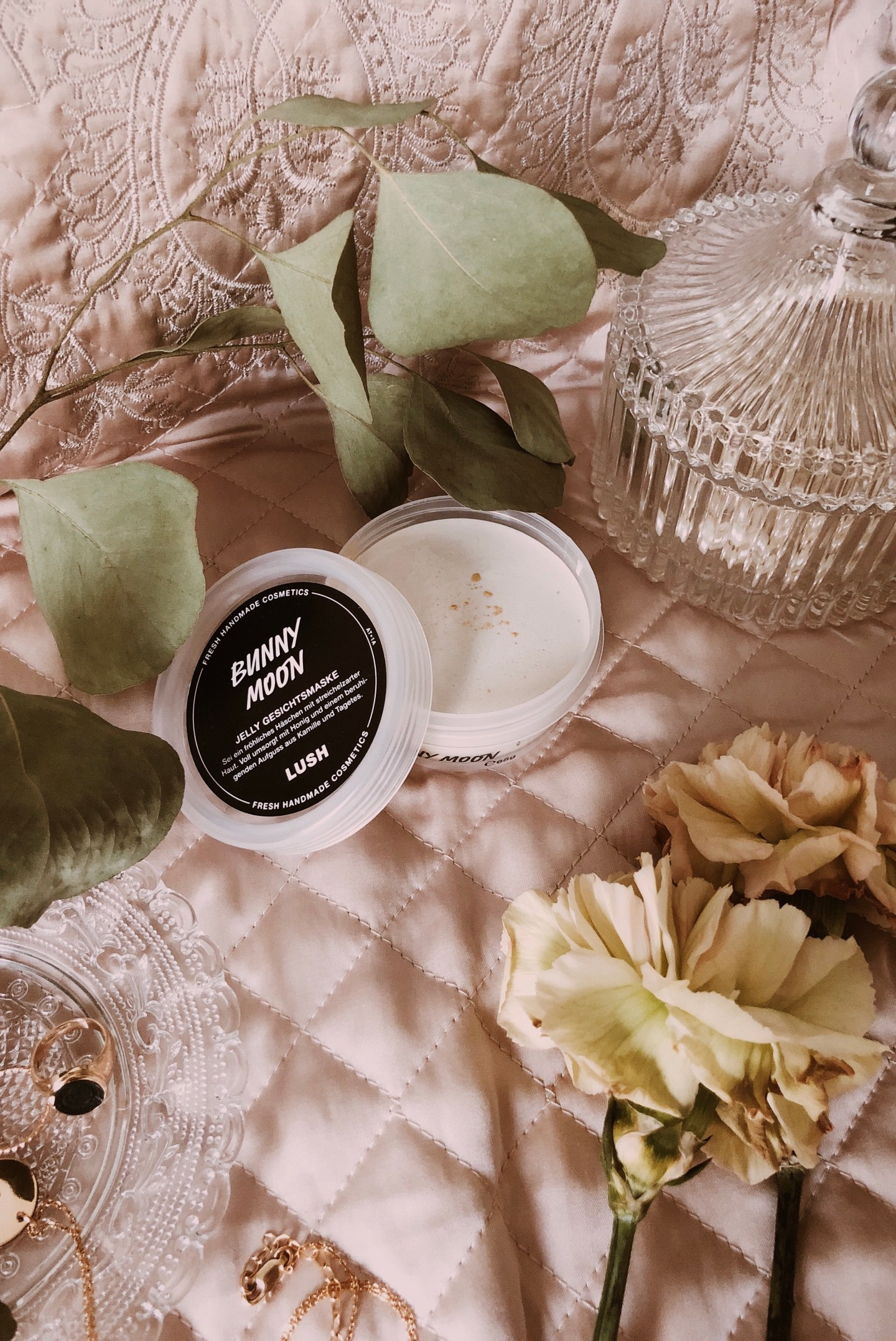 Lush Cosmetics: Bunny Moon Jelly Face Mask