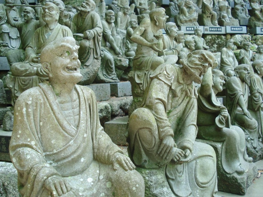 Living in Japan and visiting Nanzoin Temple statues in Sasaguri