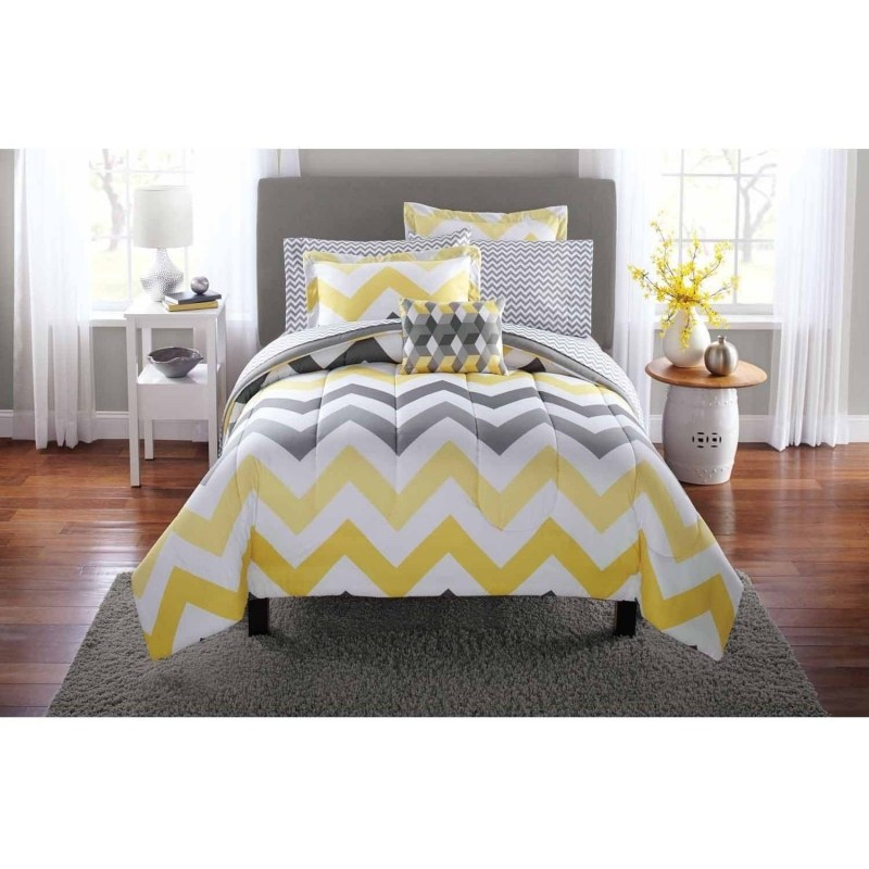 Chevron Pattern Comforter Set
