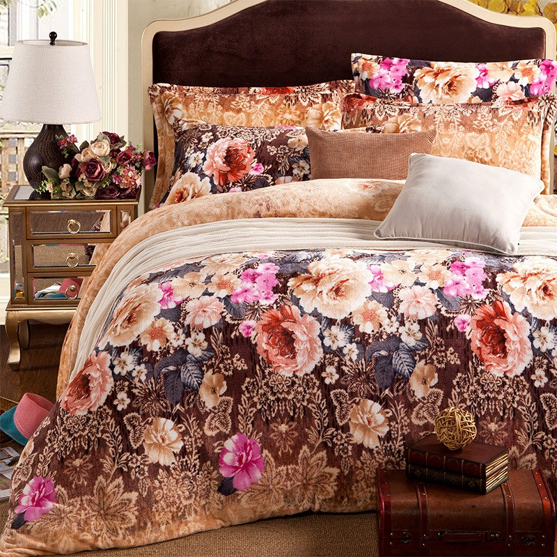 Elegant Bed Comforter Sets