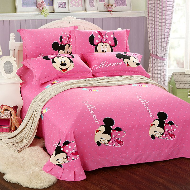 Full Size Minnie Mouse Comforter Set