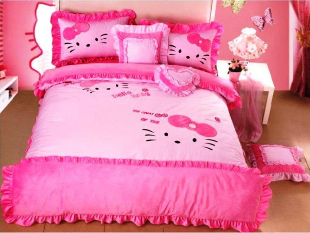 Hello Kitty Comforter Set Full Size