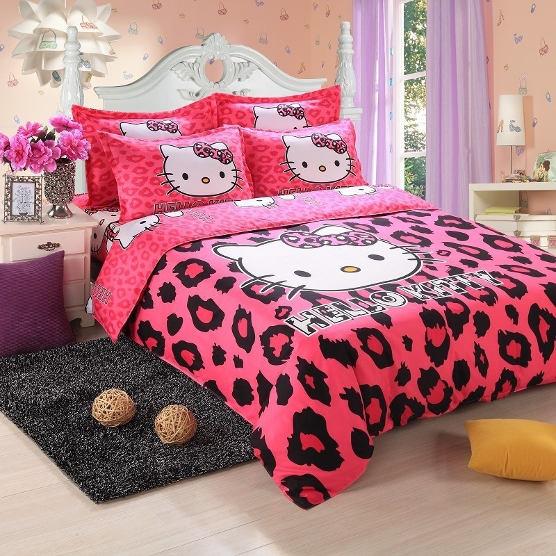 Hello Kitty Comforter Set
