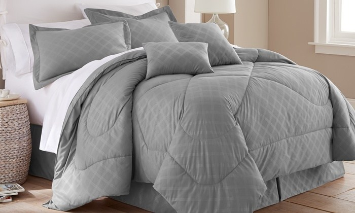 Hotel New York Comforter Set