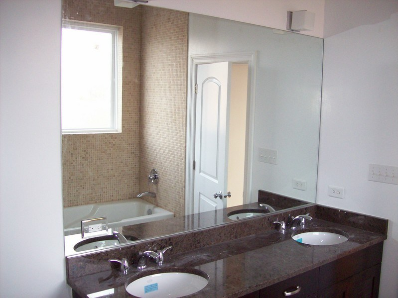 Large Mirrors In Bathrooms
