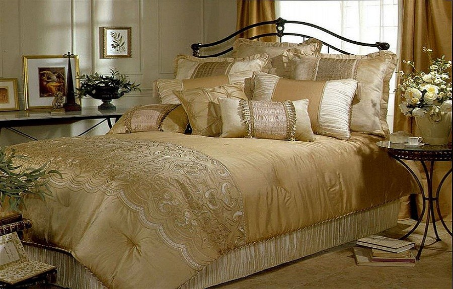 Luxury Comforters Sets