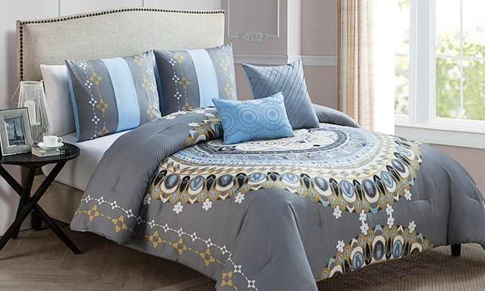 Medallion Comforter Set