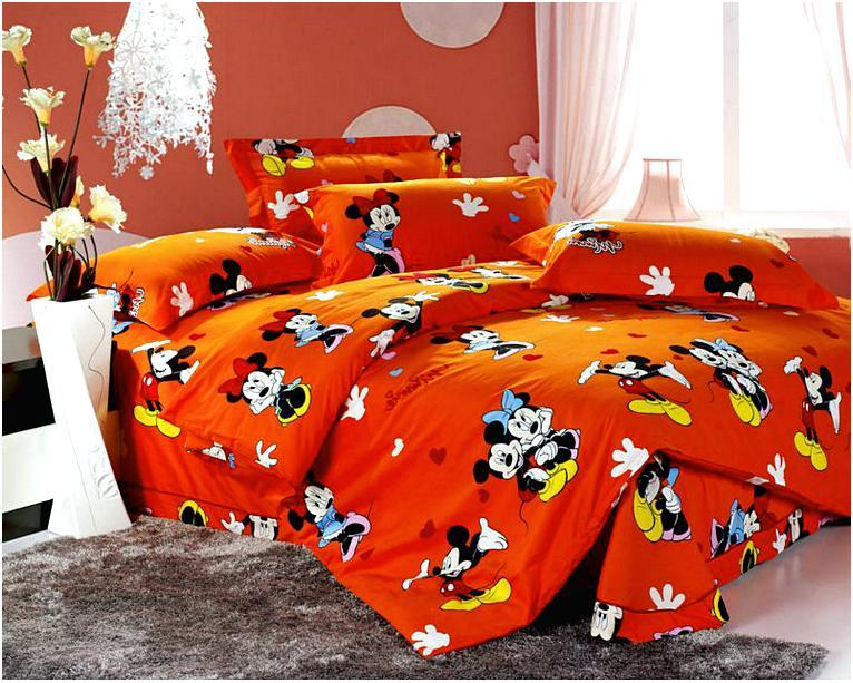 Mickey And Minnie Mouse Comforter Set