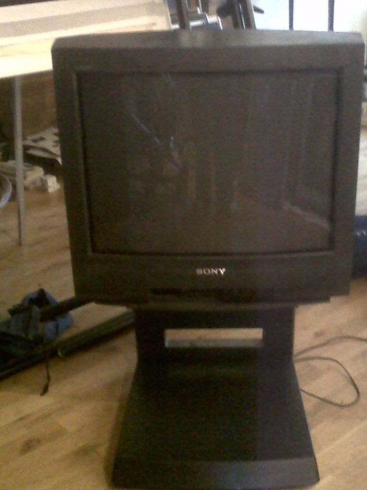 Old Tv On Stand