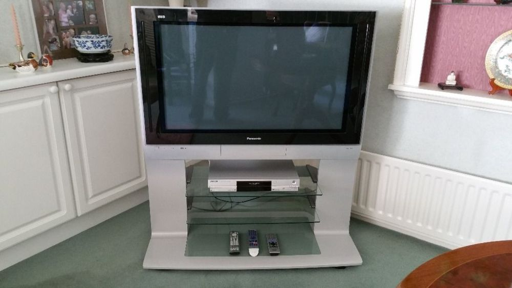 Panasonic Tv And Stand