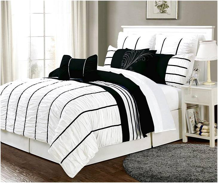 Red Black And White Queen Comforter Set