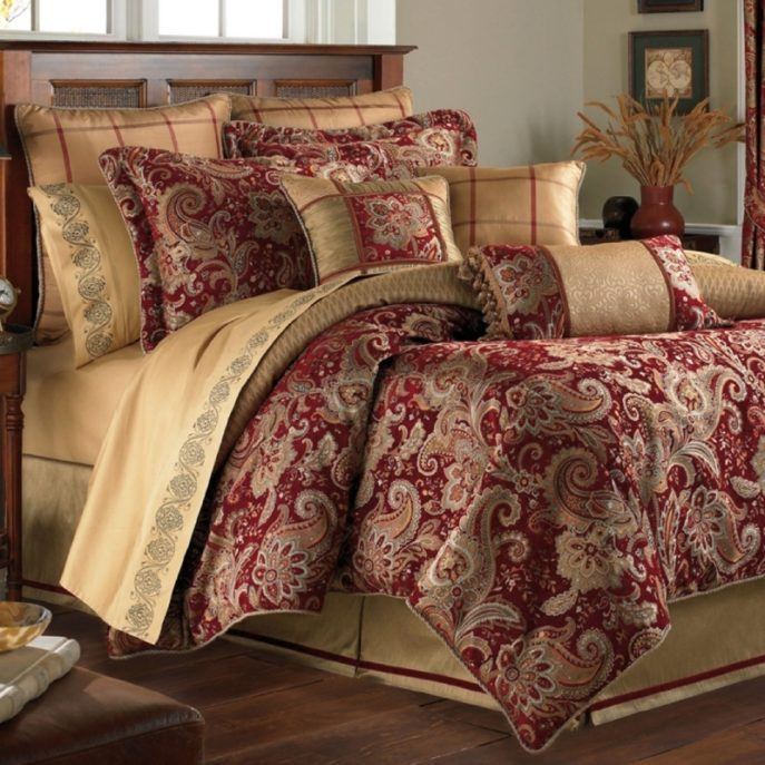 Red Paisley Comforter Set