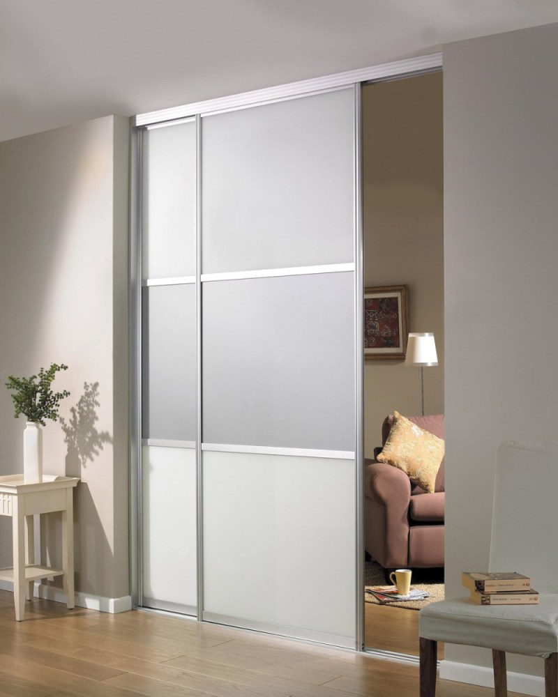 Temporary Room Divider With Door