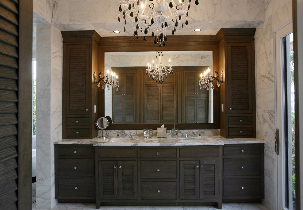 Traditional Bathroom Cabinet With Mirror