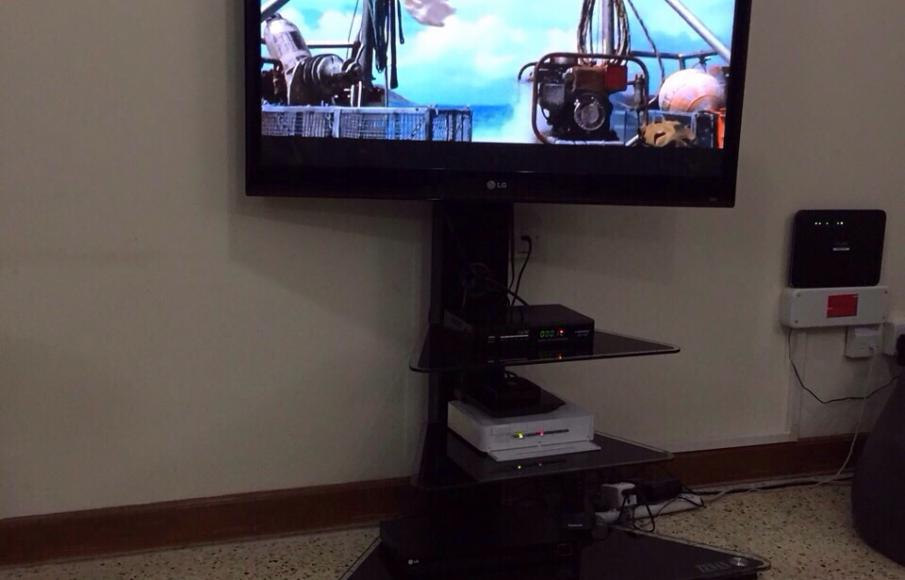 Tv Stand With Swivel Mount For Flat Panel Tvs