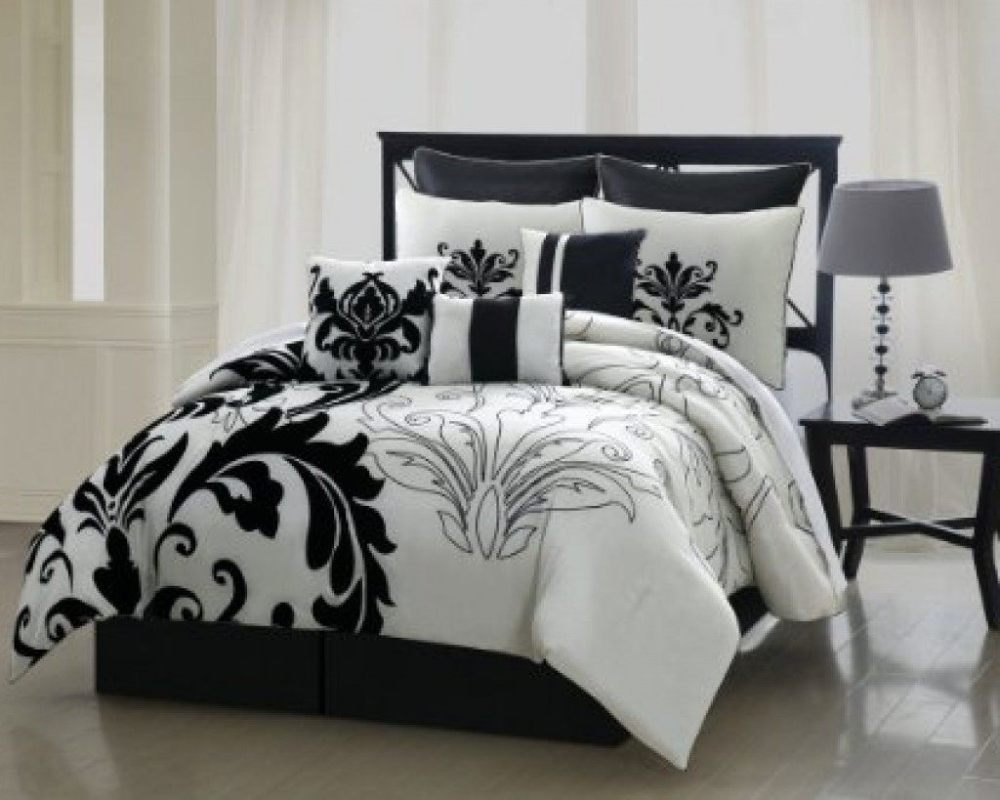 White And Black Comforter Set