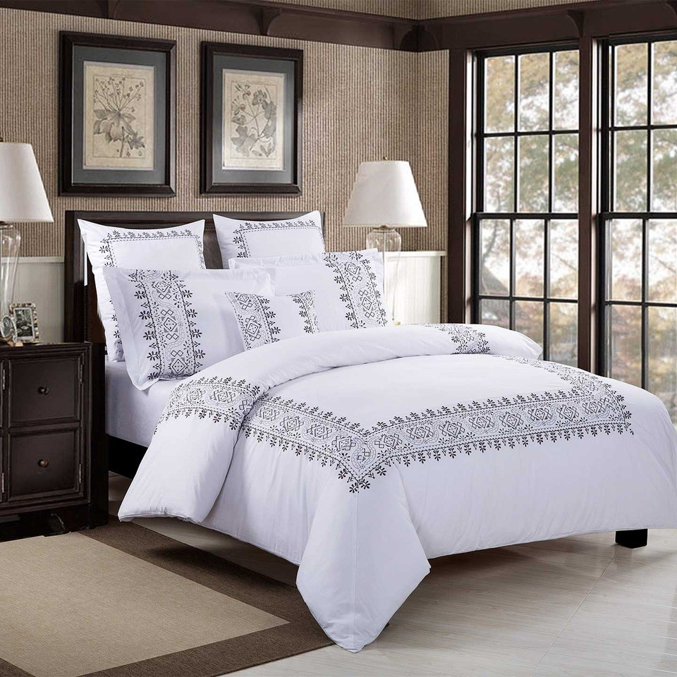 White And Gray Comforter Set