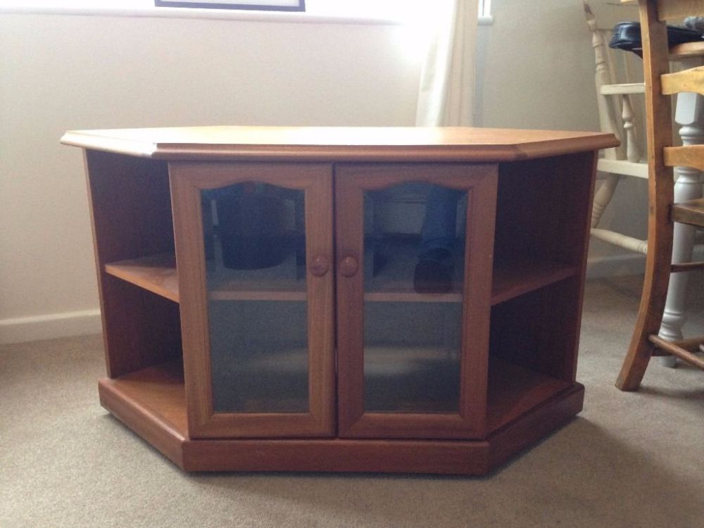 Wooden Tv Stand On Wheels