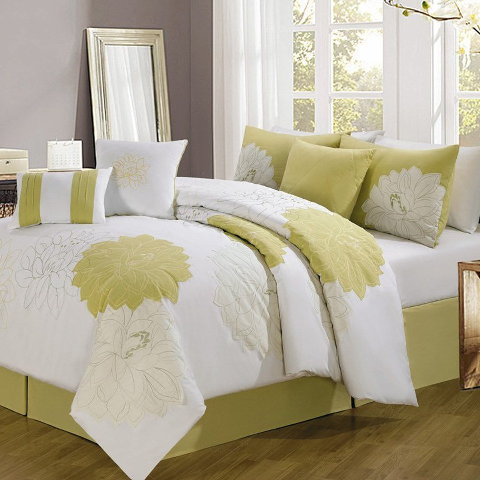 Yellow Flower Comforter Set