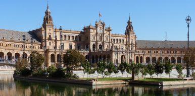 Place fameuse d'Espagne construite pour l'exposition universelle: où?