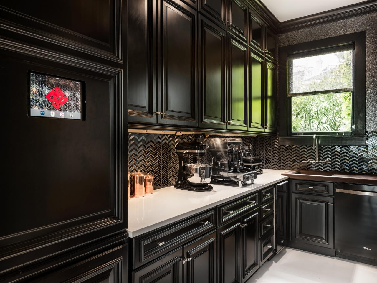 Black Kitchens Are The New White HGTVs Decorating