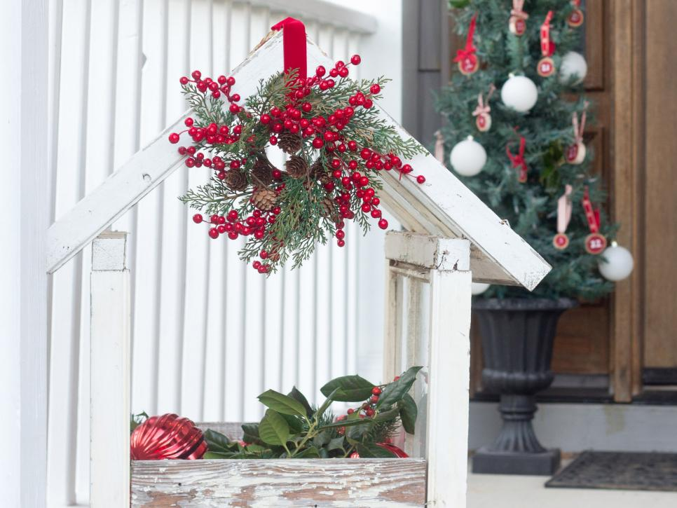 16 Rustic Garden And Farm Style Holiday Front Porch Decor