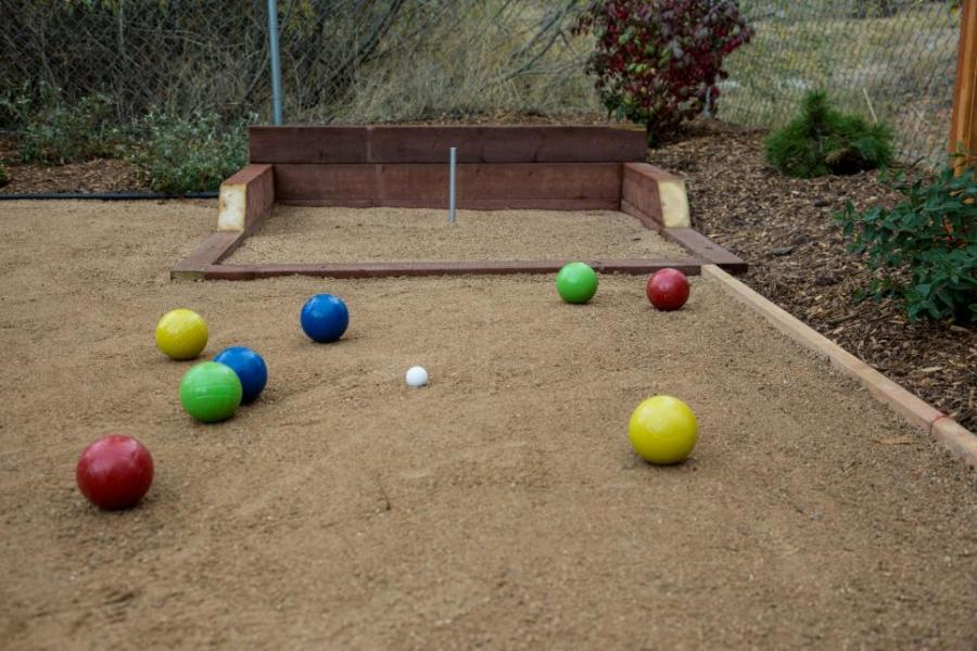 Popular Backyard and Tailgating Games   DIY Half Pipe
