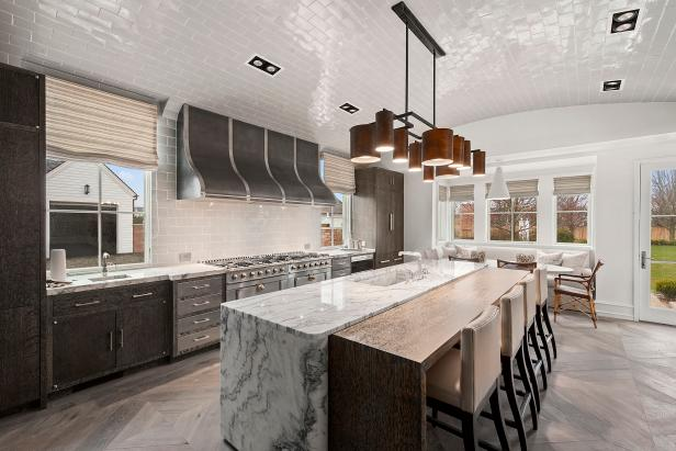 Spacious Contemporary Kitchen With Barrel Shaped Ceiling