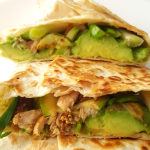 Mackerel wrap - a healthy fish recipe that is rich in omega-3's and vitamin B12! Use grilled mackerel to make this easy and tasty recipe for lunch or dinner!