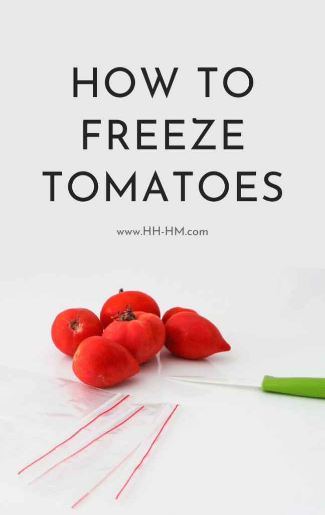 How to freeze tomatoes and how to make tomato juice that is simple and very versatile! Freezing tomatoes is an easy option when it comes to preserving tomatoes, follow these simple steps to freeze your fresh tomatoes in 15 minutes, so you can have fresh tomato sauce during fall and winter! Add it to your favorite tomato recipes like lasagna, soups, chili or rice dishes!