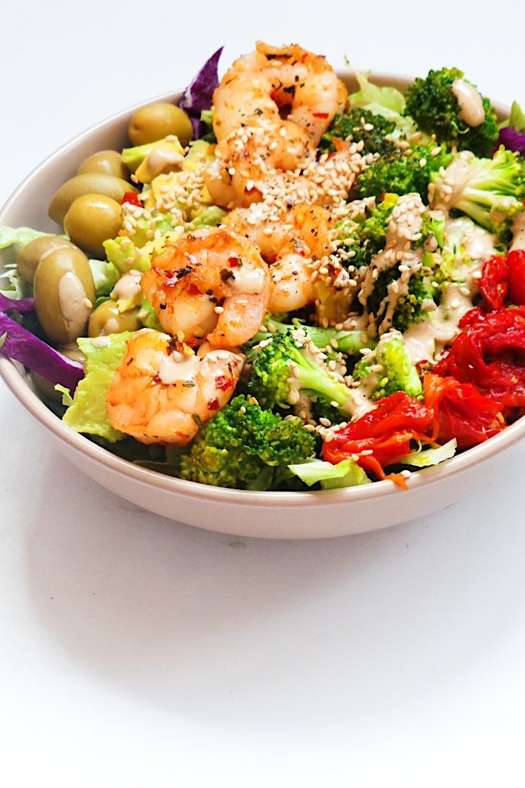 Avocado shrimp salad recipe that is perfect for lunch or dinner! This healthy salad is low carb, keto, gluten-free and easy to meal prep for the week.