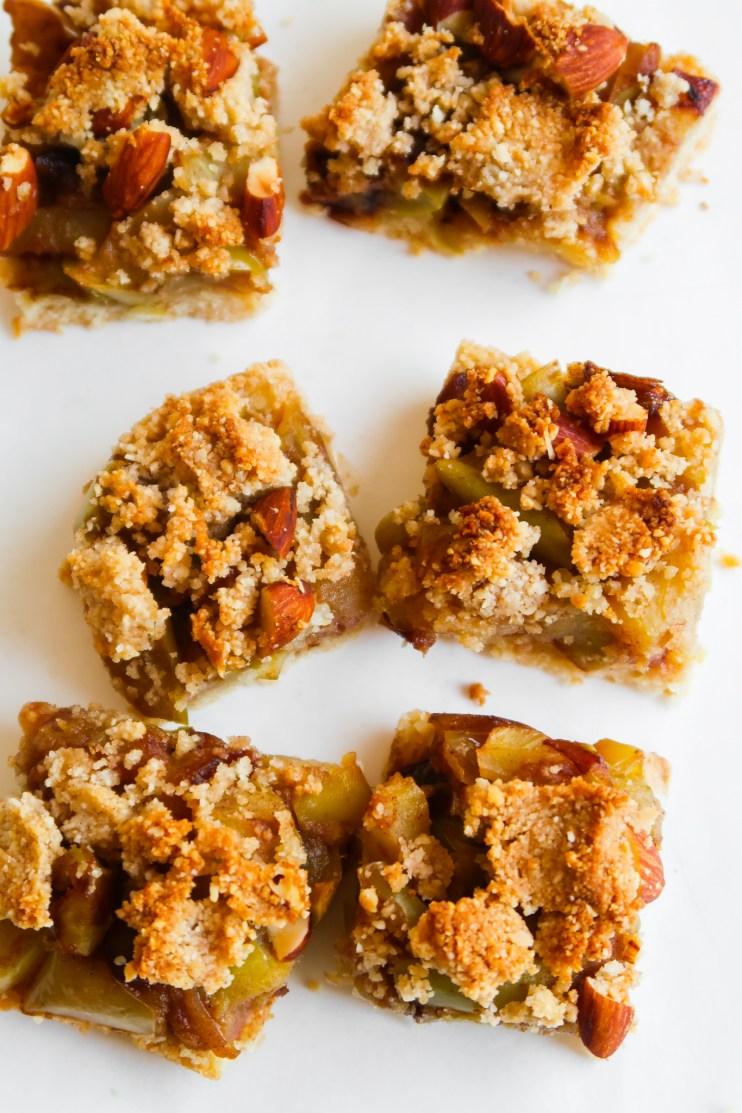 healthy apple crumble bars meal prep