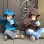 children-eating-yoghurt