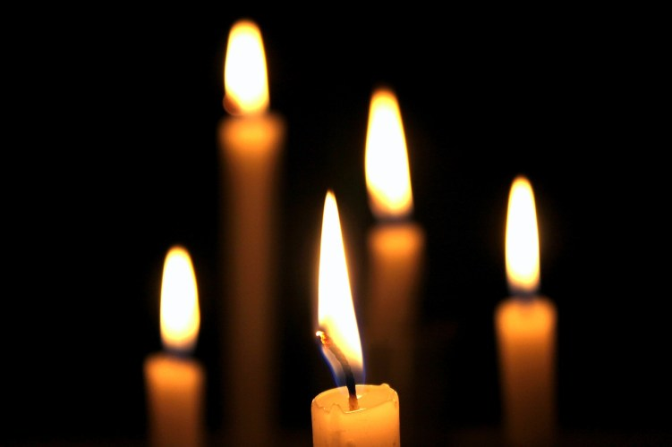 candles-738604_1280