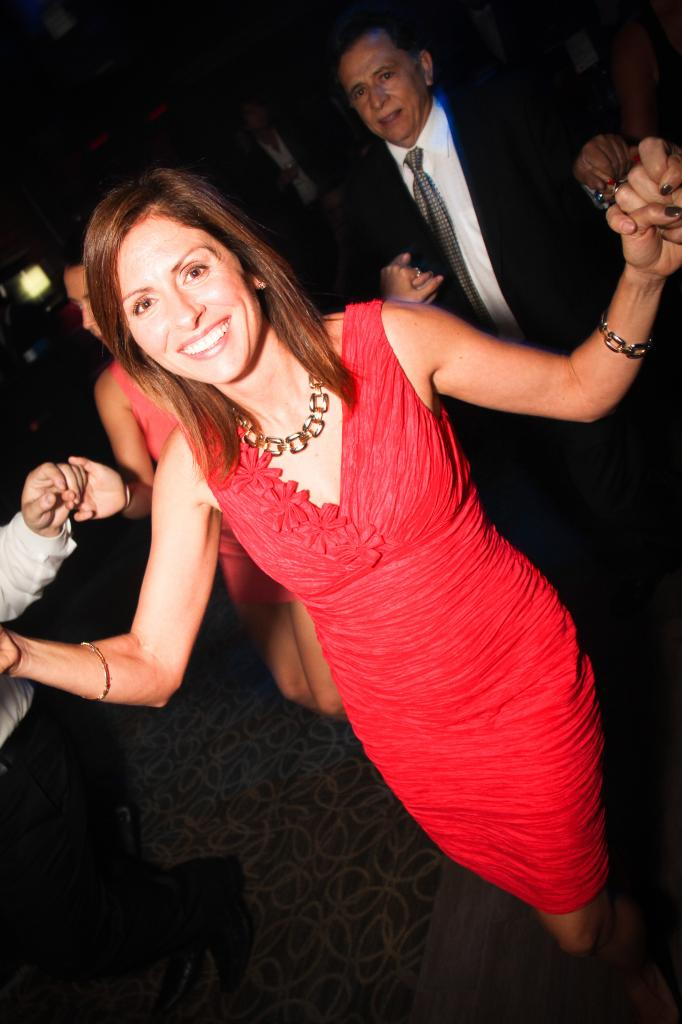 1380201285_Girl_dancing