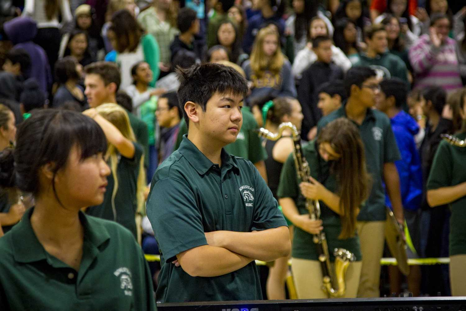 Sophomore+Sean+Chen+prepares+to+play+with+the+marching+band+in+the+first+number+of+the+rally.