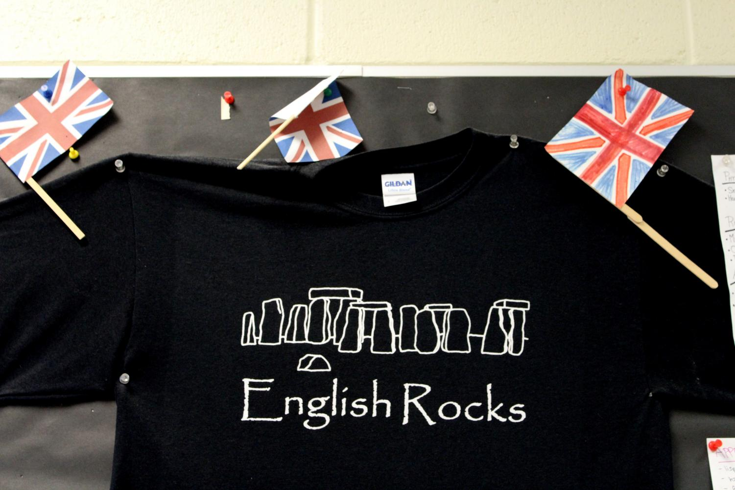 %E2%80%9CEveryone+knows+I%E2%80%99m+the+punster%2C+so+I+have+a+pun+T-shirt+on+my+wall+of+the+English+Stonehenge.+A+teacher%2C+Ms.+Hill%2C+got+me+this+shirt+when+she+was+traveling+and+brought+it+back+for+me+because+she+knows+I+love+puns.%E2%80%9D+-Steve+Lavelle