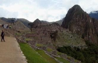 Machu Picchu com as duas montanhas atrás: