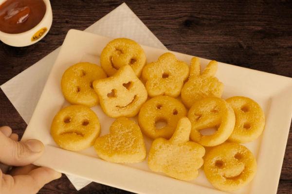 Batatas emojis são novidade no Outback
