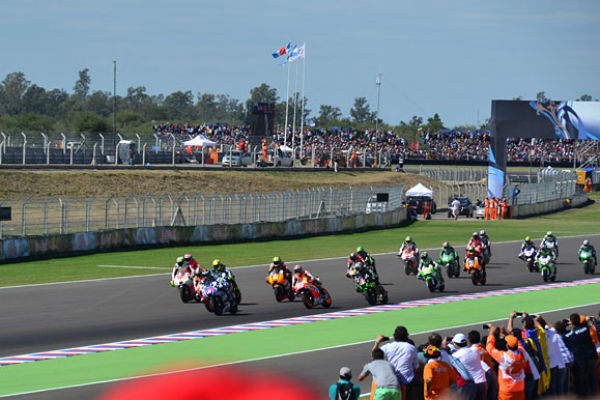 Competições de moto no autódromo (Foto: WelcomeArgentina)