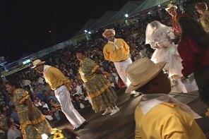 Arraial do Estoril reúne música, cultura e comida caipira