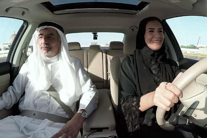 Pode parecer pouco, mas para essa mulheres, poder dirigir é uma grande conquista (Foto: Nissan)