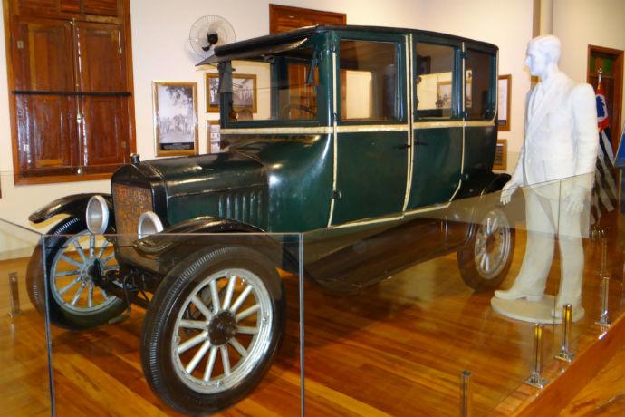 Museu traz história de viagem em um Ford T
