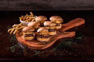 Burger Rock & Ribs