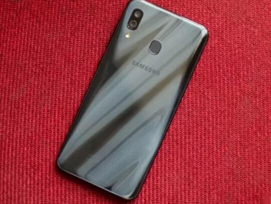 أفضل هواتف سامسونج الرخيصة بمواصفات رائعة 2019 Samsung