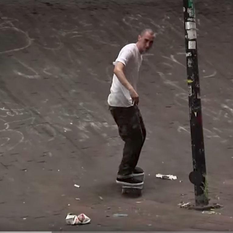 NEW YORK TIMESに出てくるスケーターのファッション