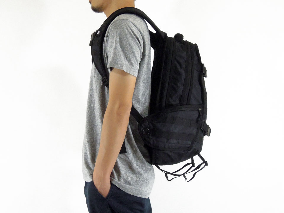 NIKE SB RPM Backpack ナイキ スケートボード スケボー バッグ デッキ取り付け バックパック 着用例2