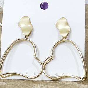Heart Shape Earrings Gold