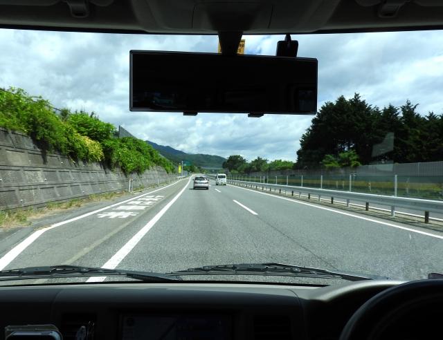 ドライブレコーダーを連休中に付けてお出かけの安全安心を!